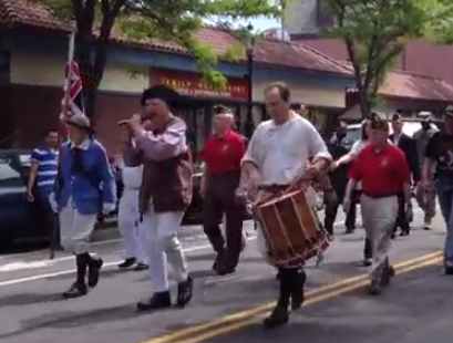 Rag-tag colonials with a fife and drum