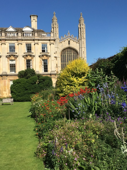 Clare College on the left, King's College Cathedral on the right.